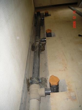 8F 排水管